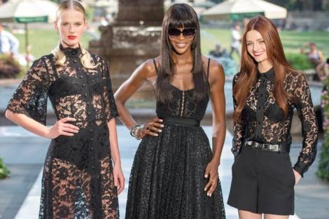 Naomi Campbell participa en un desfile en Nueva York el pasado día 11. | Afp
