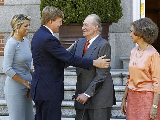 Los Reyes de España reciben a los Reyes de Holanda, el pasado miércoles. | Foto: Efe / Ballesteros.