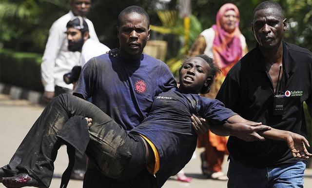 Víctimas del tiroteo en Nairobi. Foto: Simon Maina | Afp