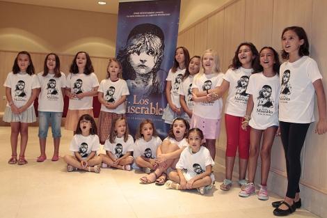 Las niñas participantes en el casting de Los Miserables. | Conchitina
