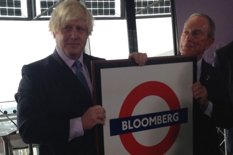 El alcalde de Londres, Boris Johnson, con Michael Bloomberg. | C. Fresneda
