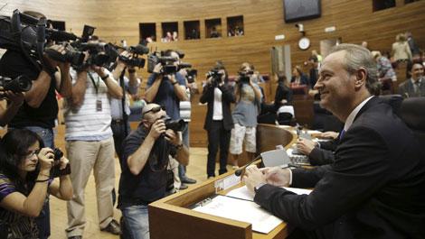 Fabra, en su escaño, antes de iniciarse el Debate en las Cortes. | Efe