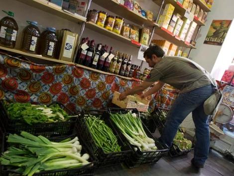 Tienda de Comercio Justo en la calle de La Palma de Madrid. | Alberto Cuellar