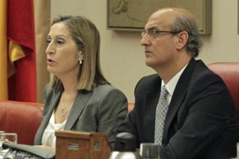 La responsable estatal de Vivienda, Ana Pastor, en una Comisión de Fomento. | Paco Toledo