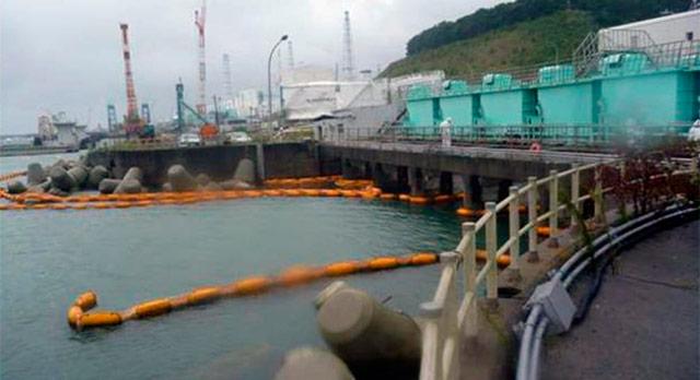 Barreras de superficie en la central nuclear de Fukushima. | Afp