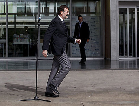Mariano Rajoy, tras hablar sobre la visita al Rey. | Javier Barbancho