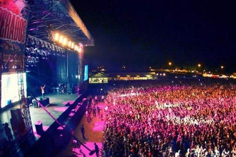 Actuación del Dj Steave Aoki, este verano en el Arenal. | ELMUNDO.es