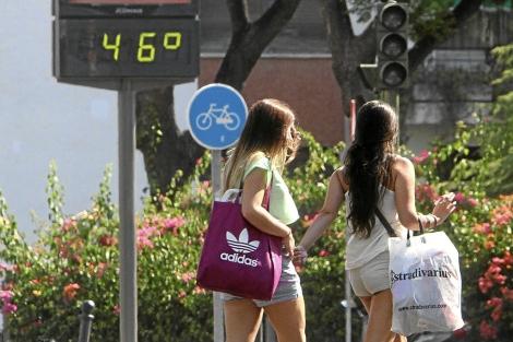 Ola de calor, el pasado verano, en Sevilla. | Carlos Márquez