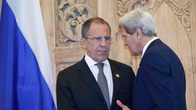 Kerry y su homólogo ruso, Sergey Lavrov, durante la rueda de prensa. | Efe