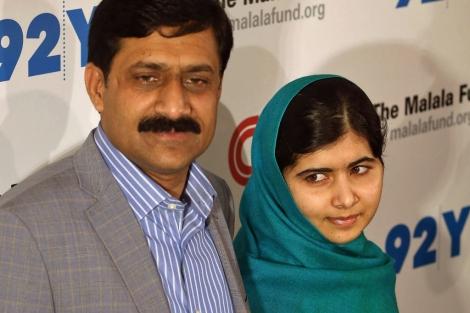 Imagen de Malala con su padre, en Nueva York