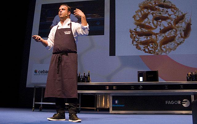 El concinero Ángel León en el Congreso de Gastronomía de Donostia.   Fotos: J. F. Ferrer