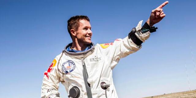 Felix Baumgartner tras finalizar con éxito el salto desde la estratosfera.   Efe