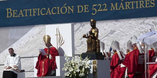 Amato, durante la homilía de la beatificación de 522 religiosos en Tarragona. | Reuters Foto: TVE