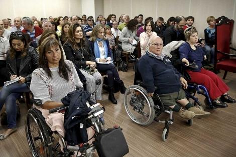 Afectados por la talidomida, en el juicio que ha comenzado hoy en Madrid. | Alberto di Lolli