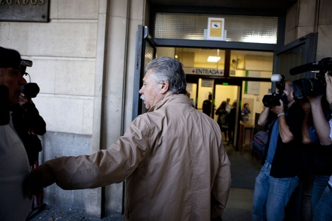 El ex dirigente de CCOO Juan Antonio Florido accede a los juzgados de Sevilla. | Conchitina