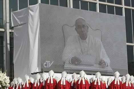 El Papa durante la beatificación en Tarragona. | Efe