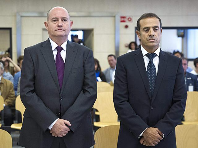 Enrique Pamies (izqda.) y José María Ballesteros, durante el juicio.   Efe