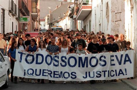 Manifestación en Algete por Eva Blanco, en 1997 (Jaime Villanueva).