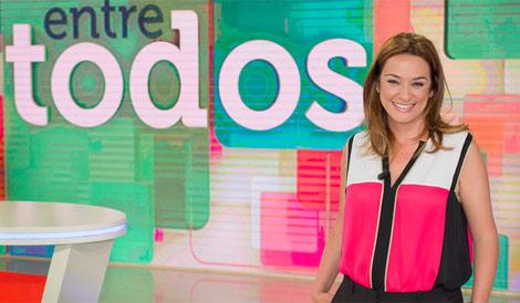 Toñi Moreno es una presentadora 'hipervitaminada' para la prensa francesa.