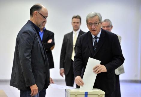 El primer miniestro luxemburgués Jean-Claude Juncker, votando. | Afp