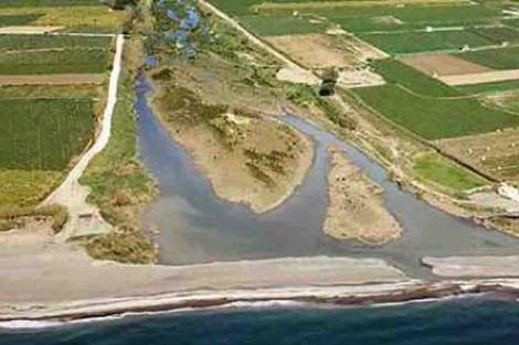 Delta del río Vélez, en cuyas inmediaciones se planea el proyecto 'Playa Fenicia'. | ELMUNDO.es