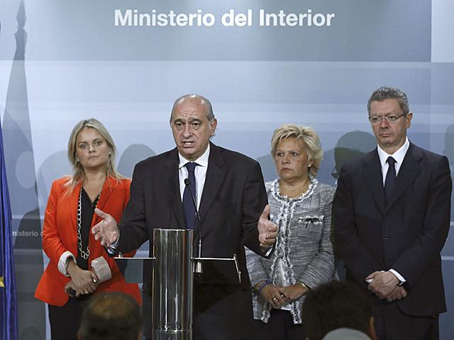 María del Mar Blanco, Jorge Fernández, Ángelez Pedraza y Alberto Ruiz-Gallardón, tras su reunión.   Efe
