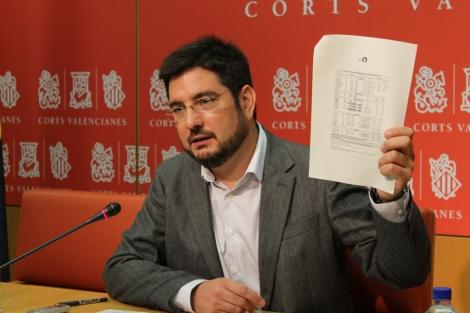 Ignacio Blanco, durante la rueda de prensa de Esquerra Unida.