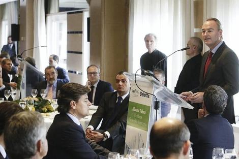Fabra en el almuerzo-coloquio sobre la reforma de la Administración pública | GVA