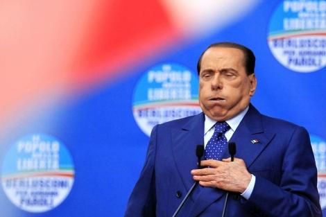 Berlusconi, en un mitin en Brescia.| Reuters