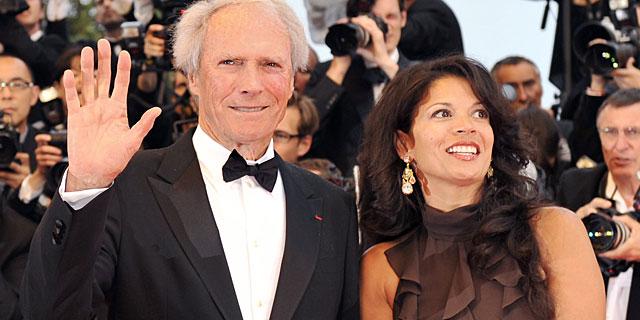 Dina y Clint Eastwood. | AFP