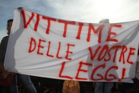 Protestas contra las leyes italianas tras la tragedia de Lampedusa.   Efe