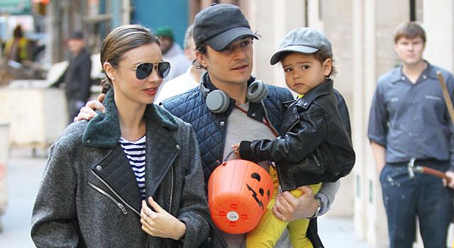 Orlando Bloom, con Miranda Kerr y su hijo, este lunes.   Gtres