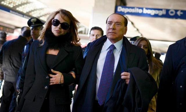 Silvio Berlusconi y Francesca Pascale. | Efe