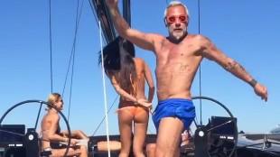Así es el barco del fenómeno viral del verano
