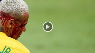 El codazo que dejó K.O. a Neymar