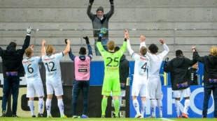 Un equipo sueco gana... ¡y lo celebra con su único aficionado!