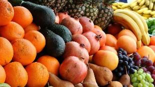 ¿Cuáles son las frutas con menos y más calorías?