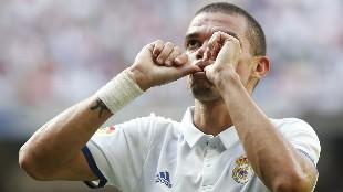 Dos irrechazables ofertas alejan a Pepe del Real Madrid