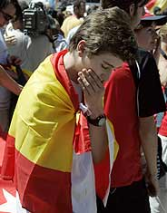 La decepción en la Plaza Mayor era el fiel reflejo de la decepción española tras la sesión del CIO. (Foto: EFE)