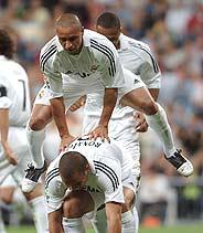 'El potro' fue la celebración elegida en el tercer gol del Madrid. (Foto: EFE)