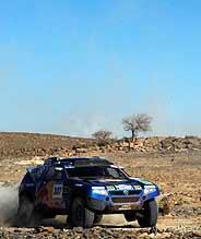 Carlos Sainz, en su Volkswagen Tuareg. (Foto: AP)
