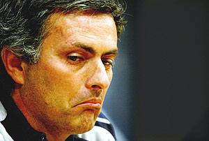Jose Mourinho, durante la rueda de prensa. (Foto: AFP)