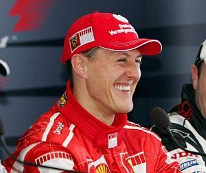 Schumacher, tras conseguir su 'pole' número 66. (Foto: EFE)
