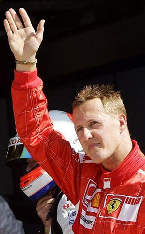 Schumacher saluda al público de Monza. (Foto: AP)