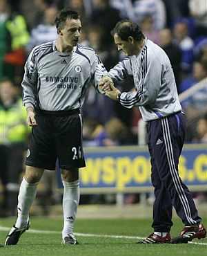 Terry se viste de portero durante el Reading-Chelsea. (Foto: AP)