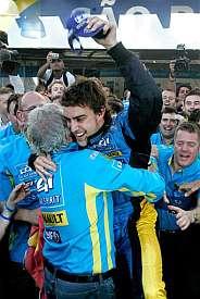 Briatore y Alonso. (AP)