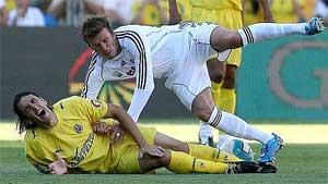 Gonzalo, en el momento de su lesión. (Foto: EFE)