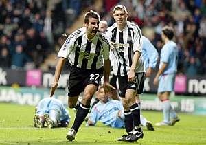 Taylor celebra el gol de de la victoria del Newcastle. (Foto: AFP)