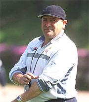 Paco Flores, en 2002, durante un entrenamiento del Espanyol. (Foto: RUDY)