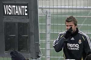 Beckham, durante el entrenamiento del Madrid. (Foto: EFE)